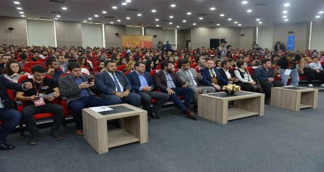 """SAÜ'de """"Otomotivin Çılgın Türkü"""" adlı etkinlik gerçekleşti"""
