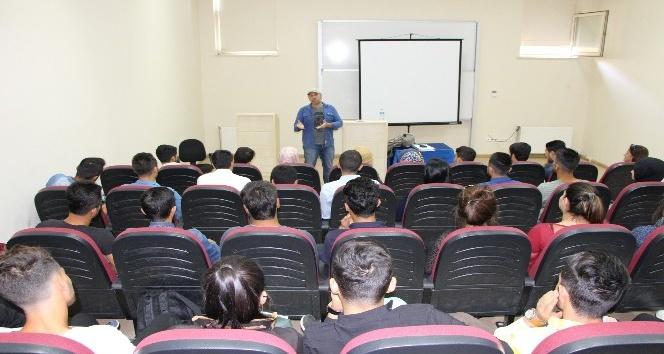 Kahta MYO'da turizm ve rehberlik konulu konferans