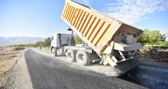 Hacıyusuflar Mahallesinin yolları asfaltlandı