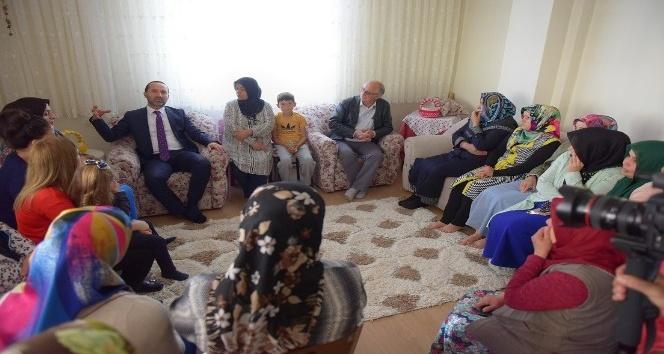 Başkan Çamyar'dan mahalle toplantıları