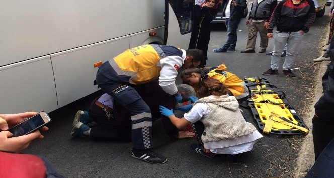 Minibüsün çarptığı yaşlı adam yaralandı