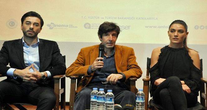 """""""Defne'nin Bir Mevsimi"""" filminin Antalya'da galası yapıldı"""