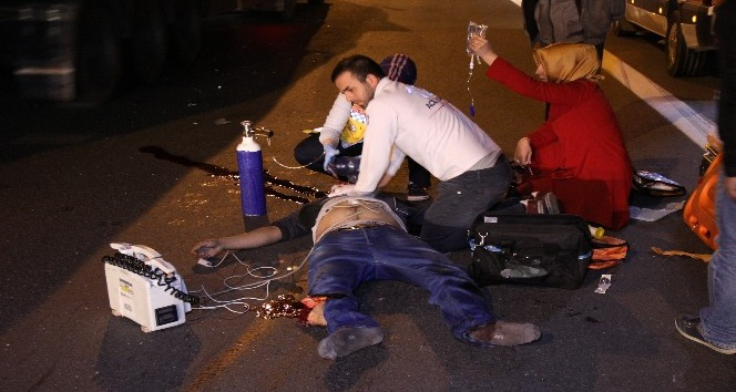 Memlekete dönmek için yola çıkan abi kardeşi kaza ayırdı