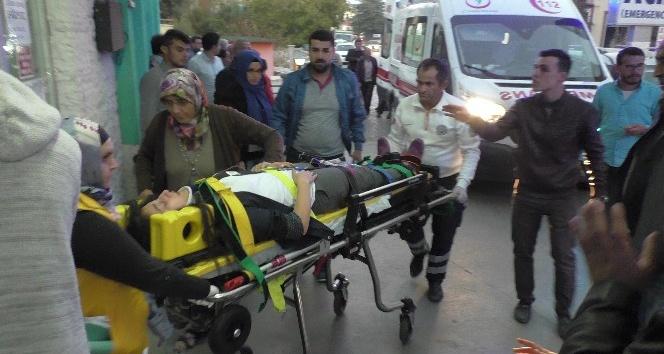 Konya'da yolcu midibüsü devrildi: 23'ü öğrenci, 27 kişi yaralandı