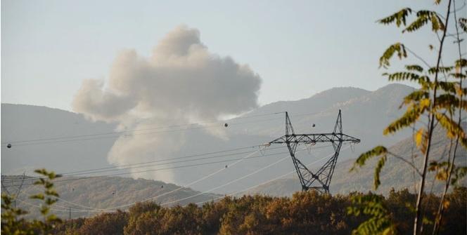 Tunceli'de bomba yüklü araç imha edildi