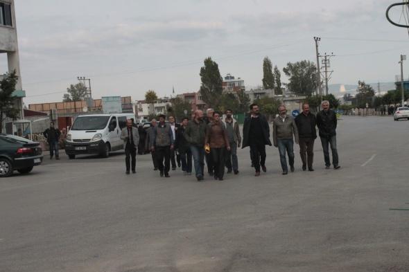Bursa'da oturma eylemi yapan HDP'lilere polis müdahalesi