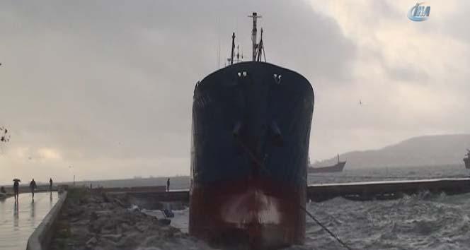 maltepede gemi karaya oturdu