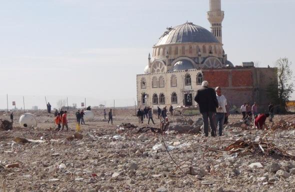 PKK terörü bir şehri harabeye çevirdi!