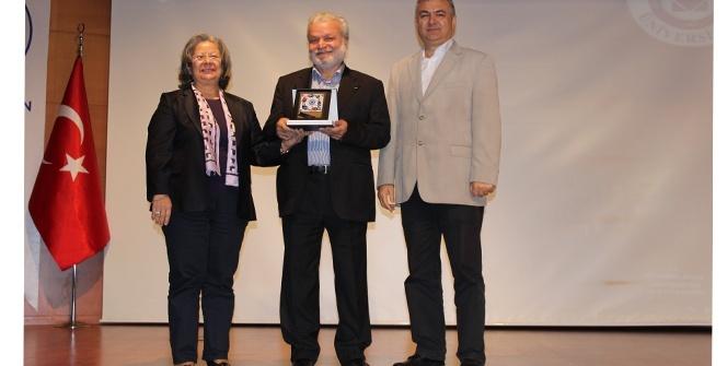 Nedim Gürsel Edebiyatının 50. Yıldönümünü İAÜ'de kutladı