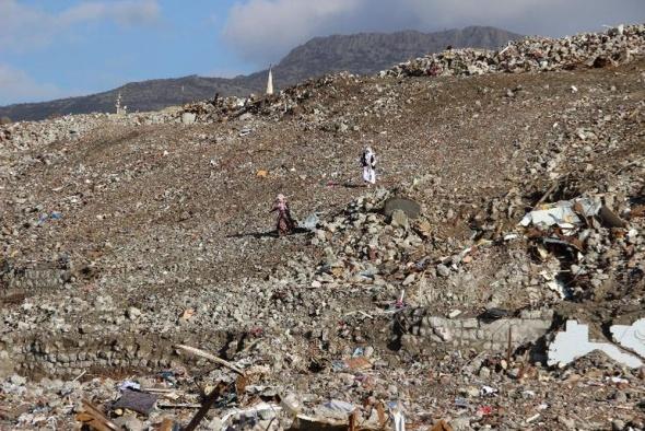 Çatışmalardan geriye moloz yığınları kaldı