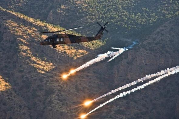 Mehmetçiğin zor koşullarda terörle mücadelesi sürüyor