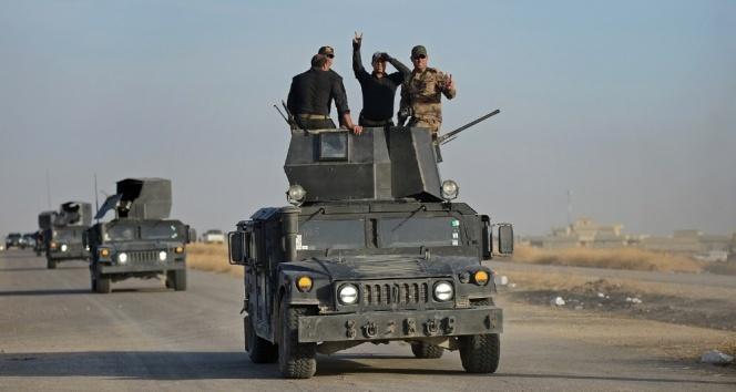 Irak güçleri, Musulun kuzeybatı girişindeki köyü ele geçirdi