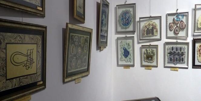 Göz kamaştıran ebru sergisi tarihi müzede ziyaretçilere açıldı