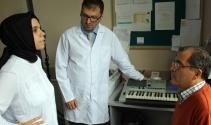 Ses hastalarına opera sanatçısı eşliğinde piyanoyla ses terapisi