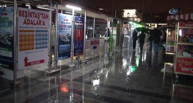 İstanbulda sağanak yağış etkisini sürdürüyor