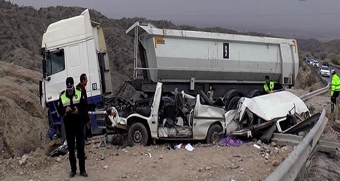 Girne Dağ yolunda feci kaza: 5 ölü