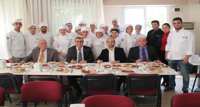 Toros Üniversitesi, Wo-Wo Brasserie ve Artica Catering ile işbirliği protokolü imzaladı