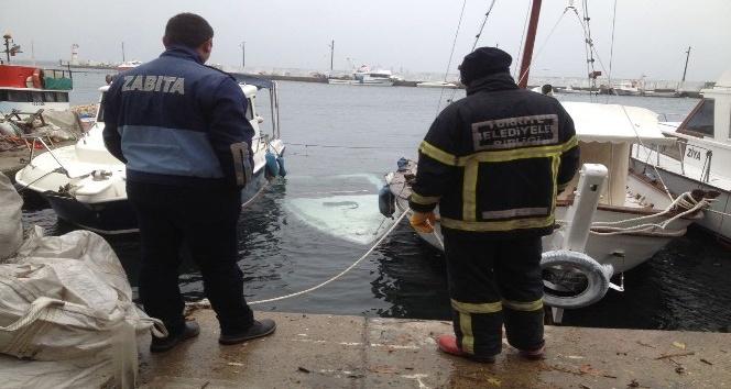 Balıkesir'de Kaymakamlık teknesi denize gömüldü