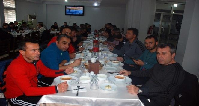 Beden eğitimi öğretmenleri Bayramiç'te toplandı