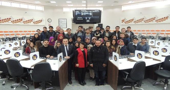 İşletme bölümü öğrencilerinden Ticaret Borsası'na ziyaret