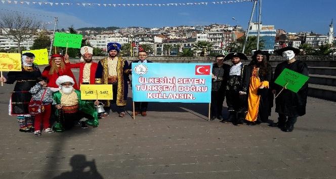 Doğru Türkçe için kostümlü etkinlik