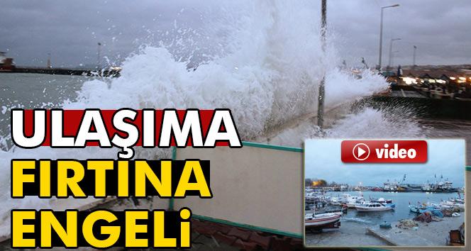 Şiddetli poyraz Marmara Denizinde ulaşımı engelledi