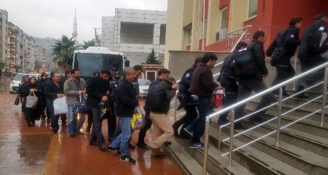 Kocaeli'de 7 dernek üyesi FETÖ'den tutuklandı