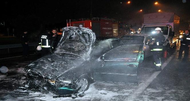 Antalya'da zincirleme kazada bir araç alev topuna döndü