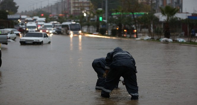 Milas'taki su taşkınlarına anında müdahale