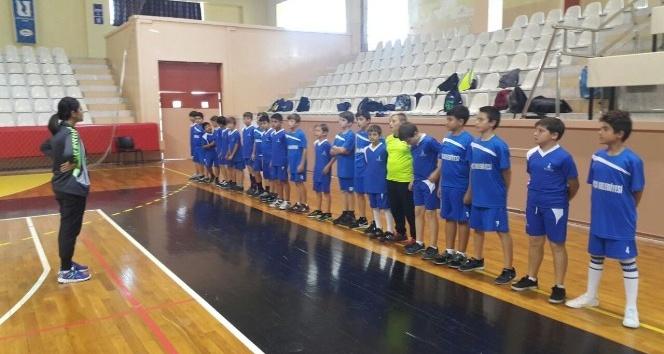 Foçalı hentbolcular, Handball At School Projesi'ne seçildi