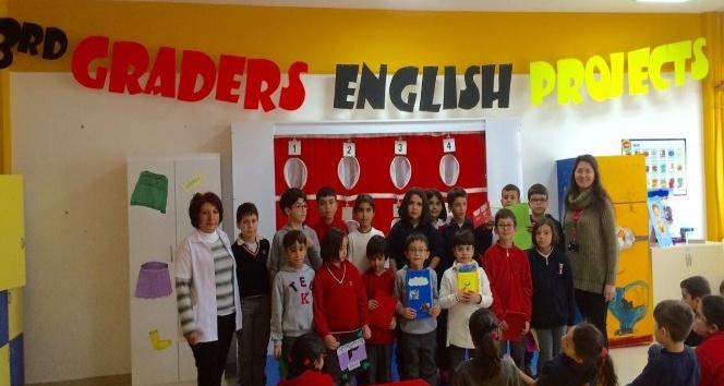TED Malatya Koleji Öğrencileri kendilerini İngilizce olarak tanıttı