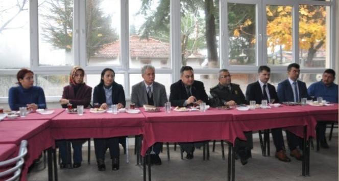 Simav Kaymakamı Halim, Beyce köyünde halk toplantısı yaptı