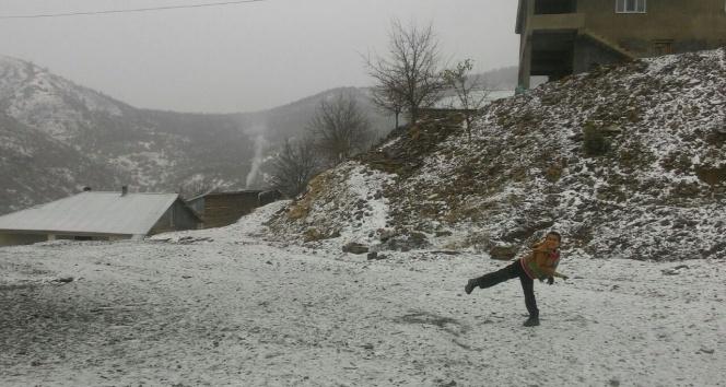 Gençe yılın ilk karı düştü