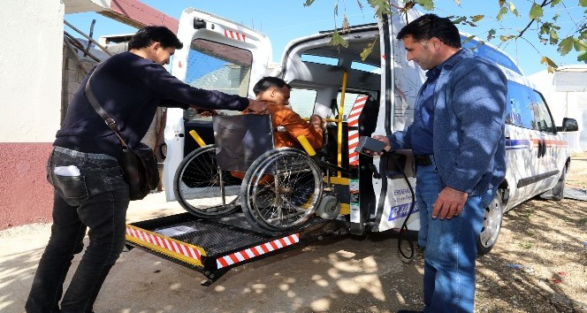 Erdemli Belediyesi'nden engelli aracı