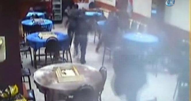 Kahvehaneye düzenlenen silahlı saldırının görüntüleri ortaya çıktı