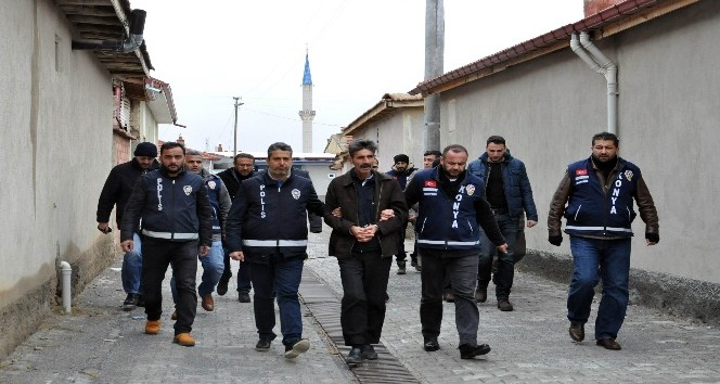 Konya'da 87 yaşındaki adamı öldüren zanlı İzmir'de yakalandı