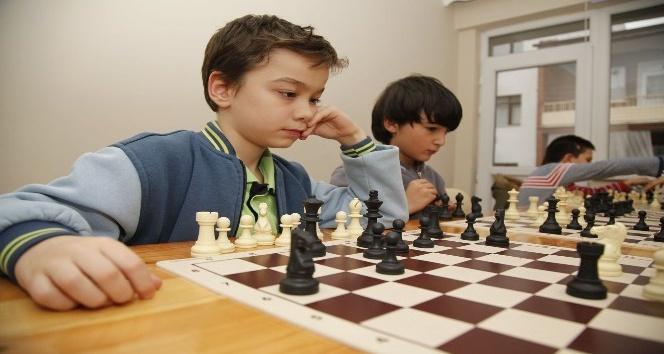 Emek Mahallesi satrançla buluşuyor