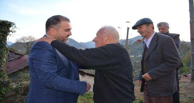 Başkan Erener, Göreleli sanatçılarla bir araya geldi