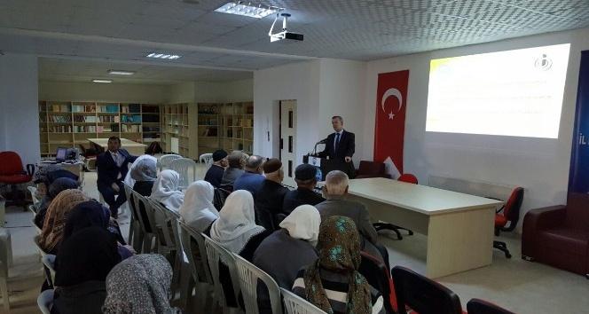 2016 yılının son umrecilerine seminer düzenlendi
