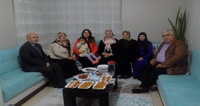 Vali Pekmez'in eşi Yeşim Pekmez çocuk evi ziyaretlerini sürdürüyor