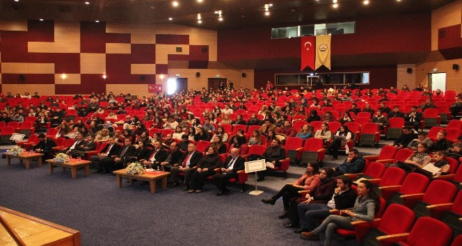 'TrakyaKAriyer' projesi TÜ'de öğrencilere anlatıldı