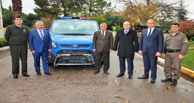 Körfez Belediyesinde Jandarma Komutanlığına araç hibesi