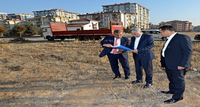 Başkan Polat park çalışmalarını inceledi
