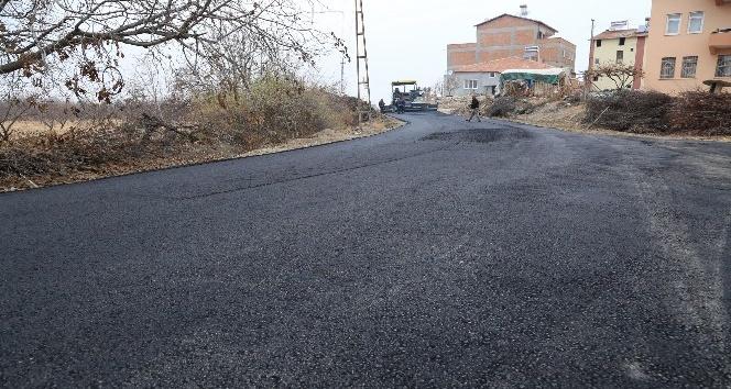 Bahçelievler mahallesinin yolları asfaltlandı