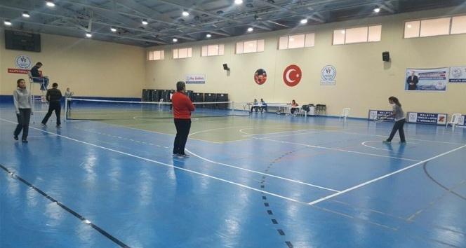 Okullar Arası Tenis Müsabakaları heyecanı başladı