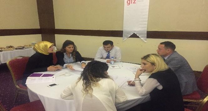 """""""Aile İçi Şiddetle Mücadele Projesi İl Eylem Planı Çalıştayı"""" yapıldı"""