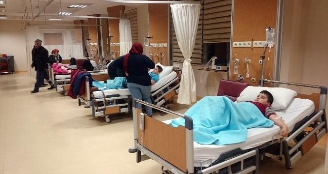 Bursa'da gıda zehirlenmesi şüphesiyle 11 öğrenci hastanelik oldu