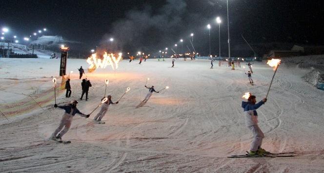 Palandöken'de kayak sezonu renkli şölenle açıldı