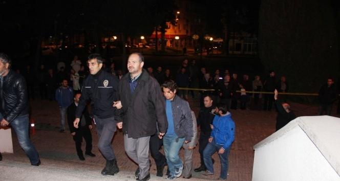 18 saat süren duruşmada 21 kişiden 18i tutuklandı