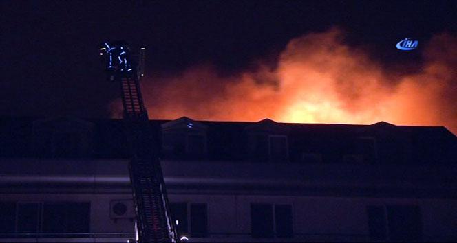 Galatasaraylı Luis Pedro Cavandanın oturduğu binada yangın çıktı
